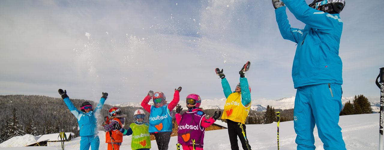Skieurs juniors et leurs moniteurs ESI