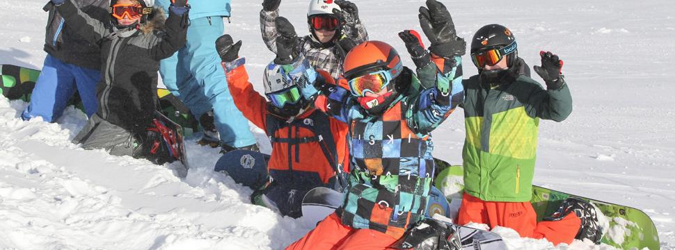 Cours collectifs de snowboard pour enfants avec l'ESI de Serre Chevalier Villeneuve